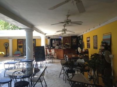 Cafe Terrasse in Petionville